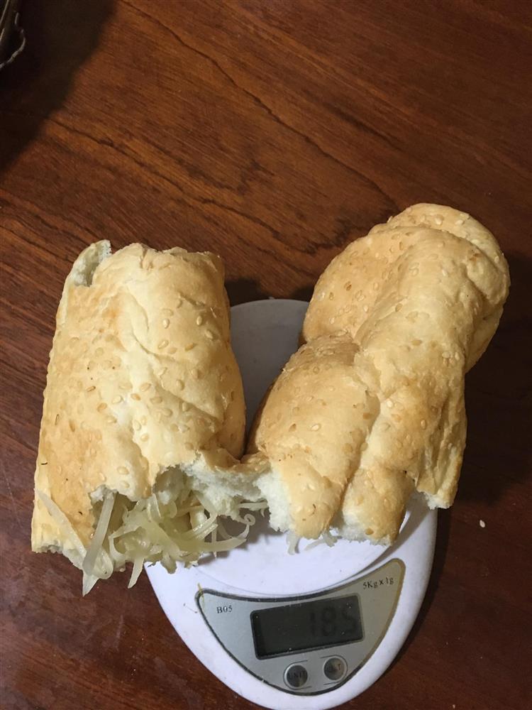 Hãng bánh mì nổi tiếng Thái Nguyên bị bóc phốt treo đầu dê, bán thịt chó-3