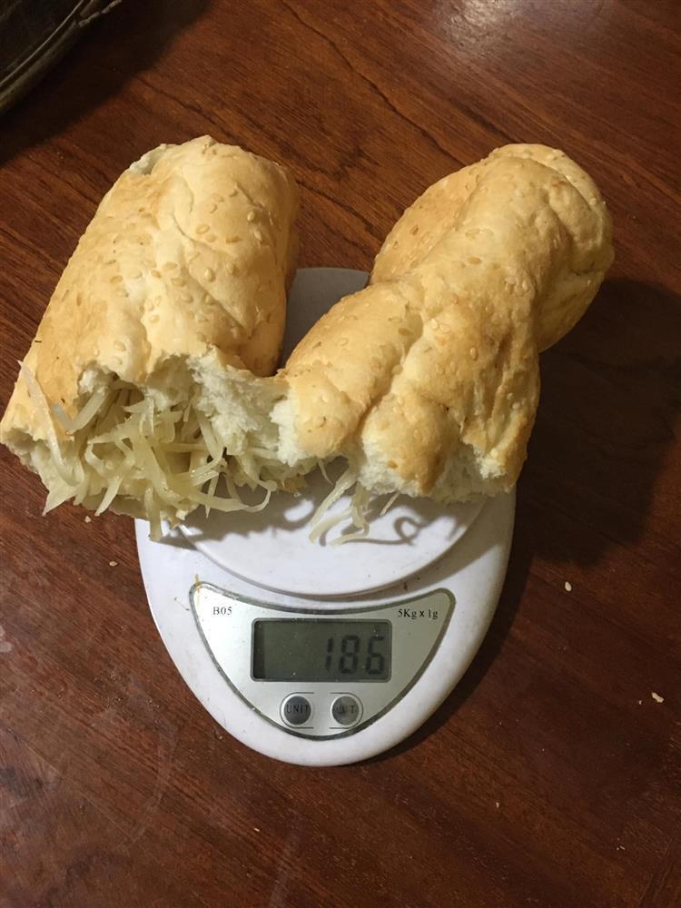 Hãng bánh mì nổi tiếng Thái Nguyên bị bóc phốt treo đầu dê, bán thịt chó-6