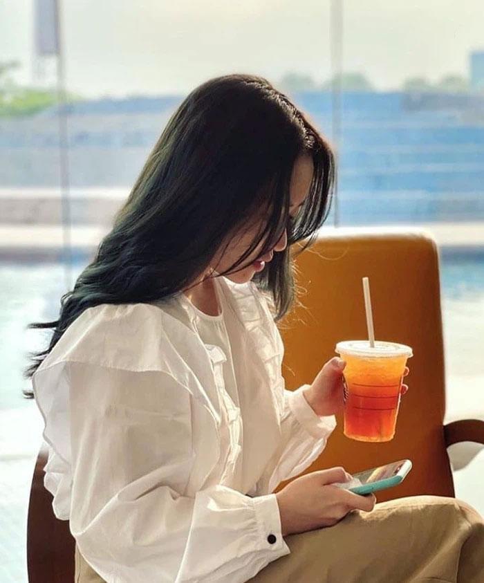 Nhan sắc vợ Xuân Trường sau 3 năm xát muối lòng fans-3