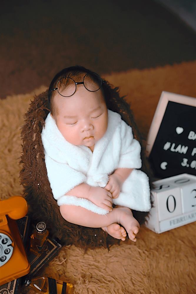 Con trai 2 tháng tuổi của Hữu Công gây bão với biểu cảm cưng muốn xỉu-7