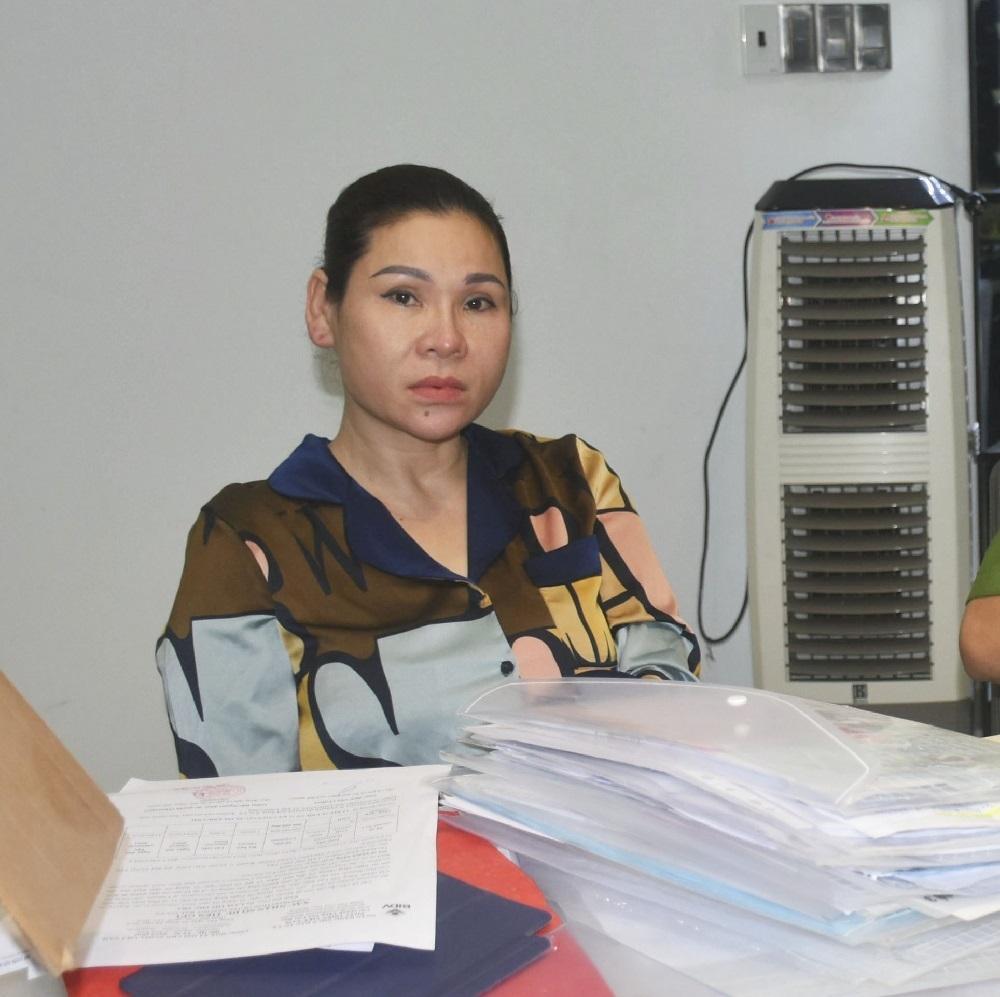 Vợ nam diễn viên Kinh Quốc bị bắt vì cho vay nặng lãi-2