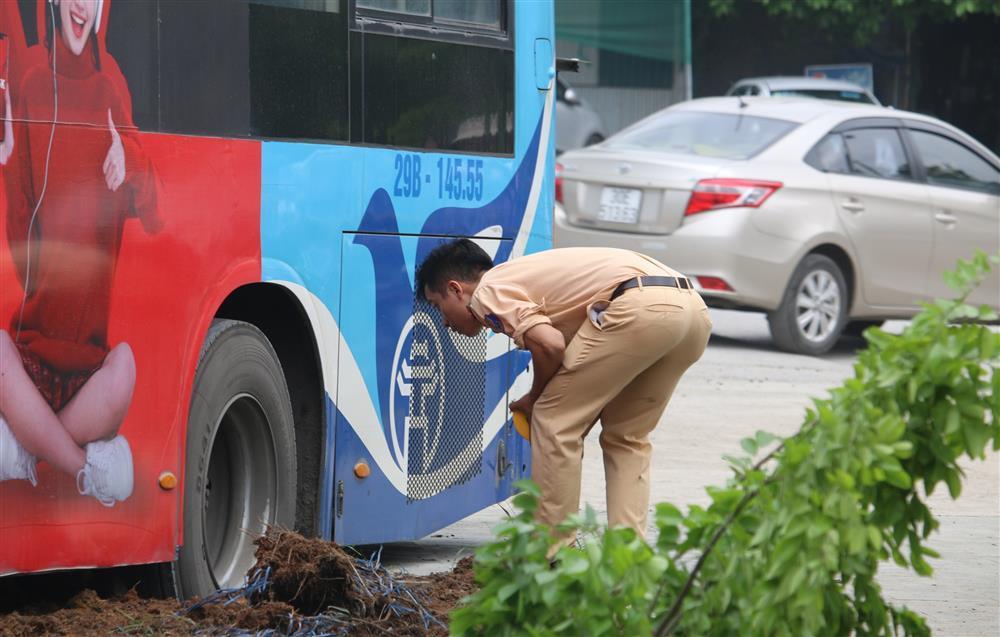 Nhân chứng vụ xe buýt đâm chết người: Mặt cắt không ra máu-3