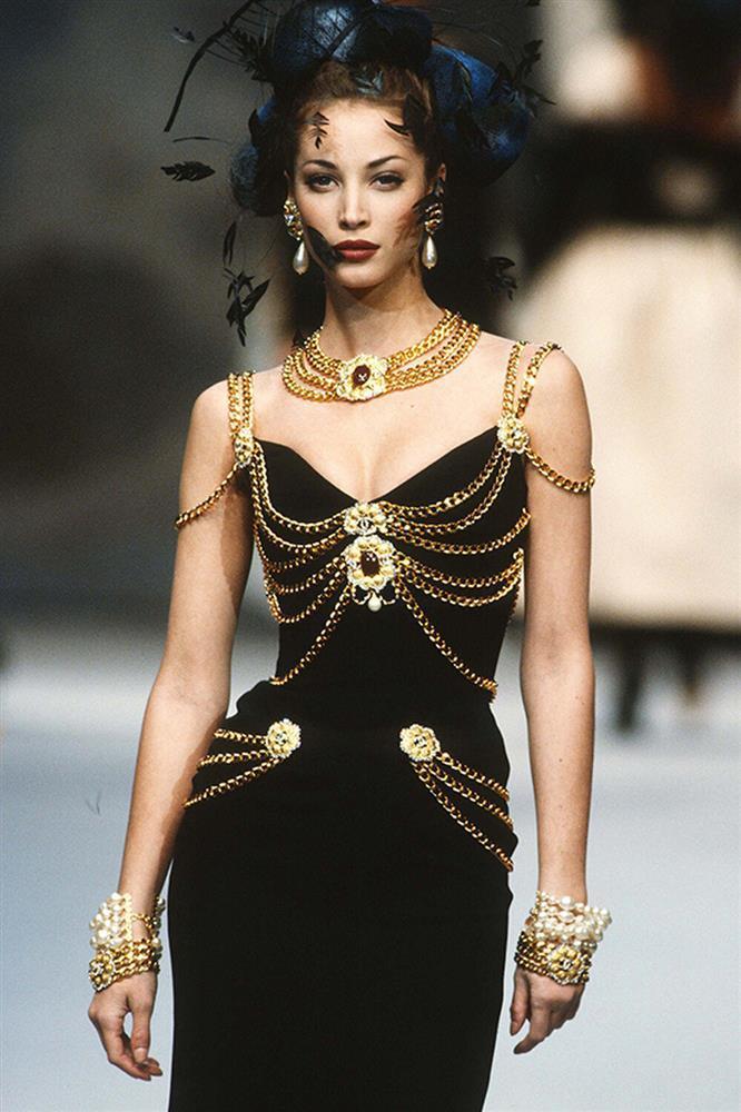 Á hậu Kim Duyên lên tiếng trước ồn ào mặc váy nhái Chanel-4