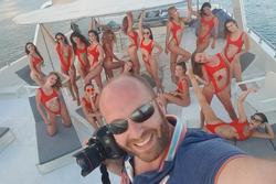 Bắt người đàn ông tổ chức vụ 40 người mẫu khỏa thân