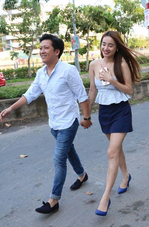 Sao Việt xử lý tinh tế khi diện đầm ngắn cũn, xẻ cao tít tránh lộ hàng-12
