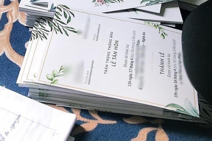 Lộ diện thiệp cưới của Phan Mạnh Quỳnh sau khi chơi trò Cá tháng 4-1