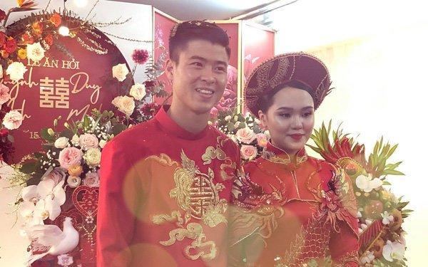 Cô dâu Xuân Trường diện áo dài đỏ, độ lồng lộn thua xa vợ Duy Mạnh-4