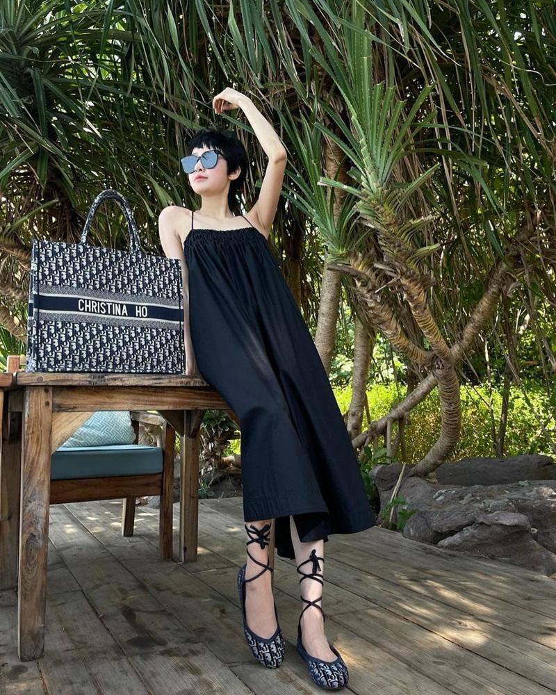Lăng-xê trang phục họa tiết, Thúy Vi - Quỳnh Anh Shyn hai phong cách đối lập-7