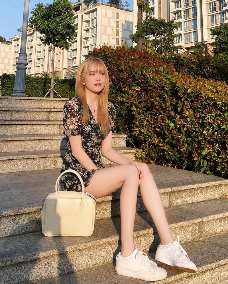 Thiều Bảo Trâm - Minh Hằng lăng-xê váy hoa nhí chào hè-8