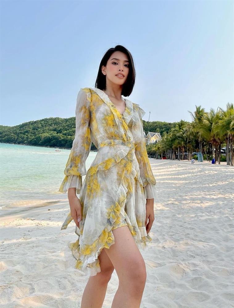Thiều Bảo Trâm - Minh Hằng lăng-xê váy hoa nhí chào hè-10