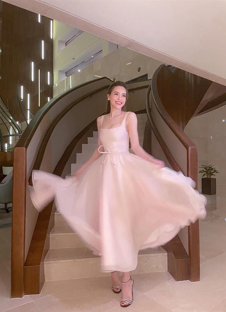 SAO MẶC ĐẸP: Mẹ ba con Hồ Ngọc Hà hóa công chúa chiếm spotlight-6