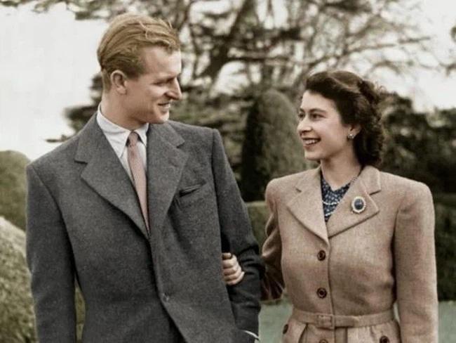 Chuyện tình xuyên suốt 74 năm của Nữ hoàng Anh cùng Hoàng tế Philip-2