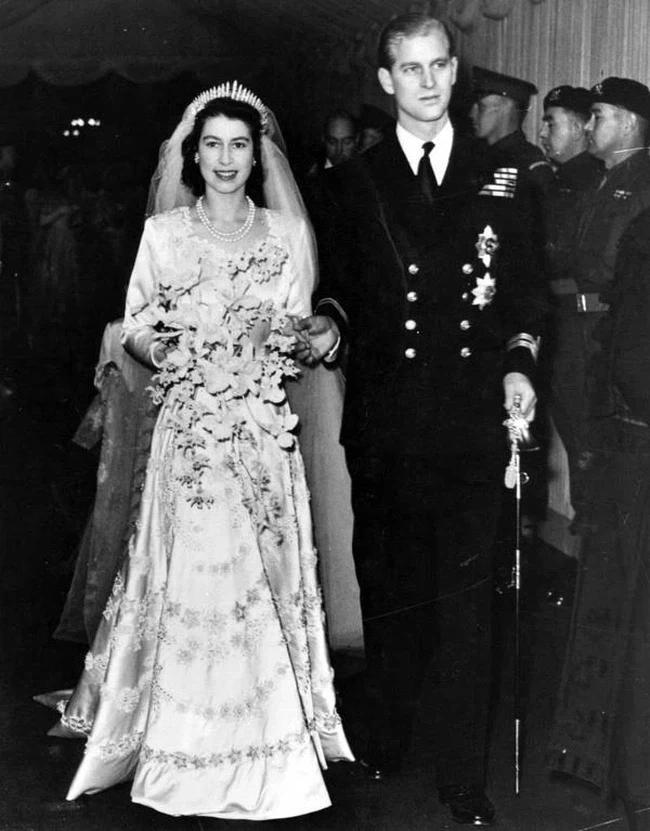 Chuyện tình xuyên suốt 74 năm của Nữ hoàng Anh cùng Hoàng tế Philip-4