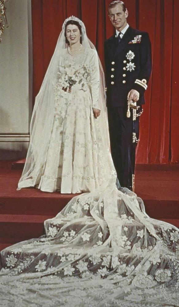 Chuyện tình xuyên suốt 74 năm của Nữ hoàng Anh cùng Hoàng tế Philip-5