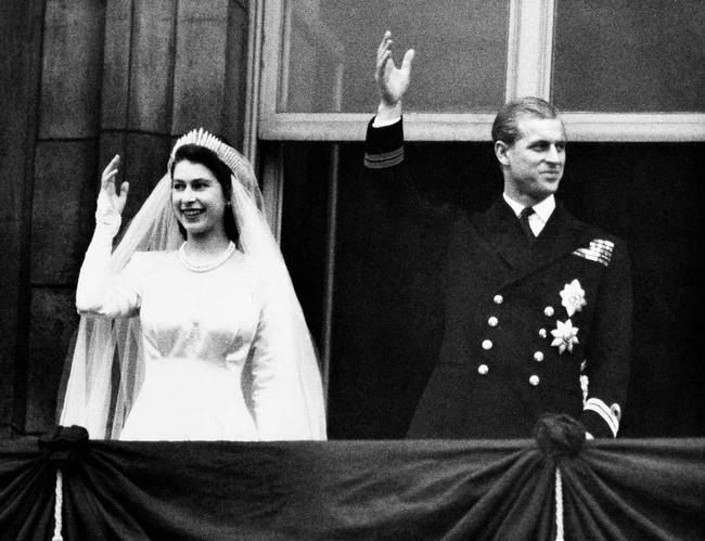 Chuyện tình xuyên suốt 74 năm của Nữ hoàng Anh cùng Hoàng tế Philip-6
