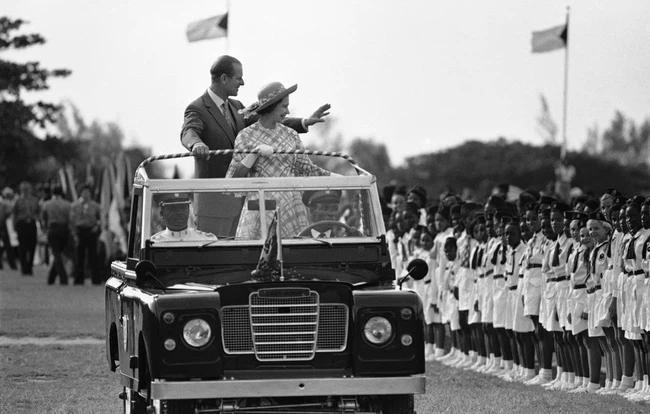 Chuyện tình xuyên suốt 74 năm của Nữ hoàng Anh cùng Hoàng tế Philip-8