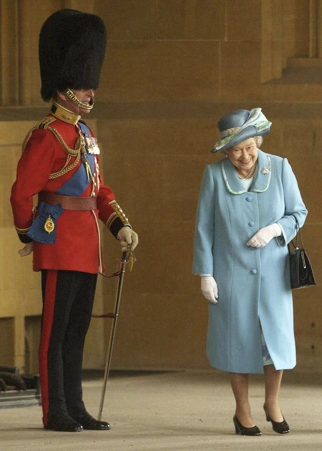 Chuyện tình xuyên suốt 74 năm của Nữ hoàng Anh cùng Hoàng tế Philip-11