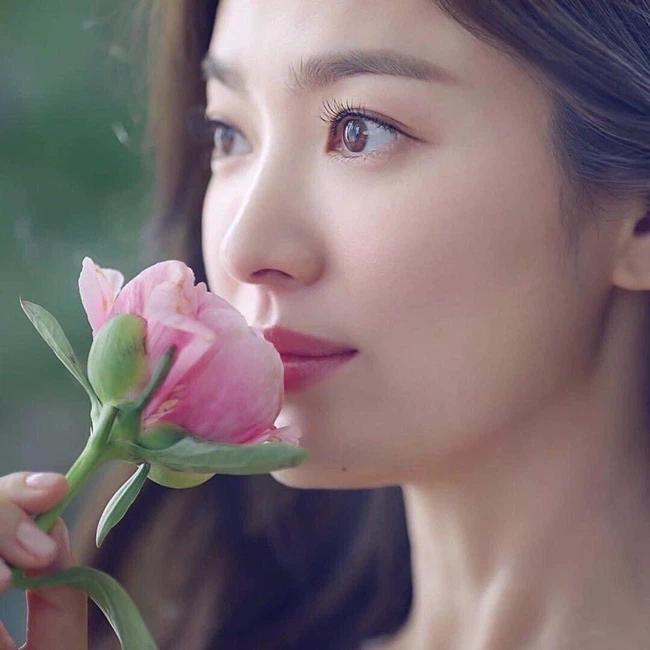 Song Hye Kyo có động thái bất ngờ, fan nghi ngờ có liên quan tới Song Joong Ki?-1