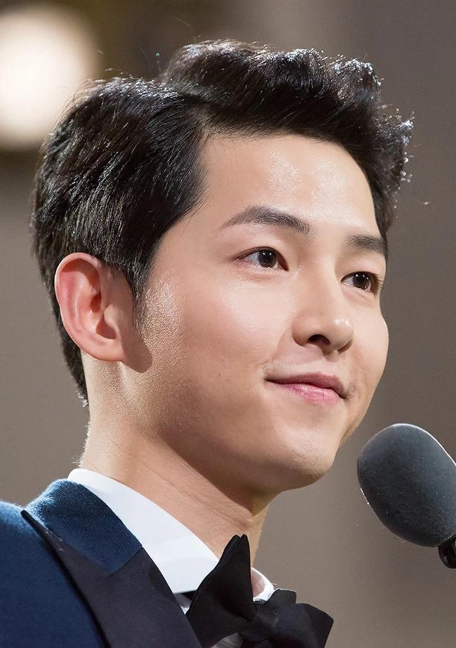 Song Hye Kyo có động thái bất ngờ, fan nghi ngờ có liên quan tới Song Joong Ki?-3