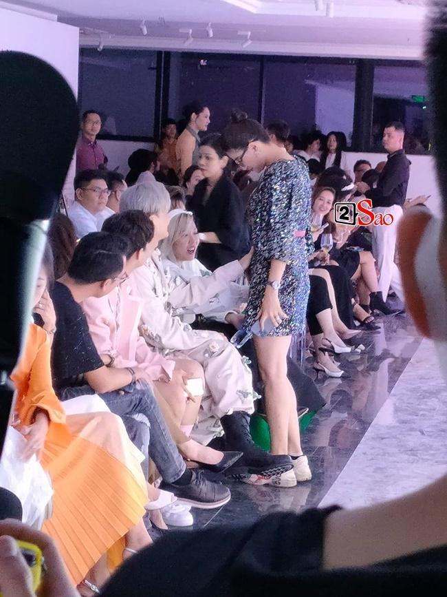 Đồng nghiệp rủ nhau khám bụng Trang Trần giữa sự kiện-2
