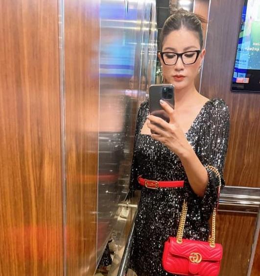 Đồng nghiệp rủ nhau khám bụng Trang Trần giữa sự kiện-4