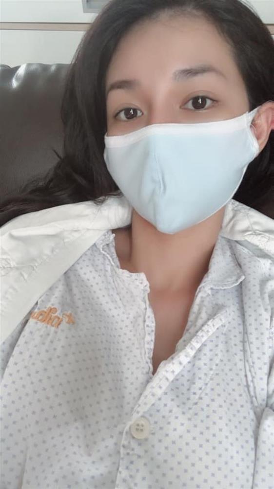MC Quỳnh Chi khoe phụ kiện sẹo sau phẫu thuật ung thư tuyến giáp-3