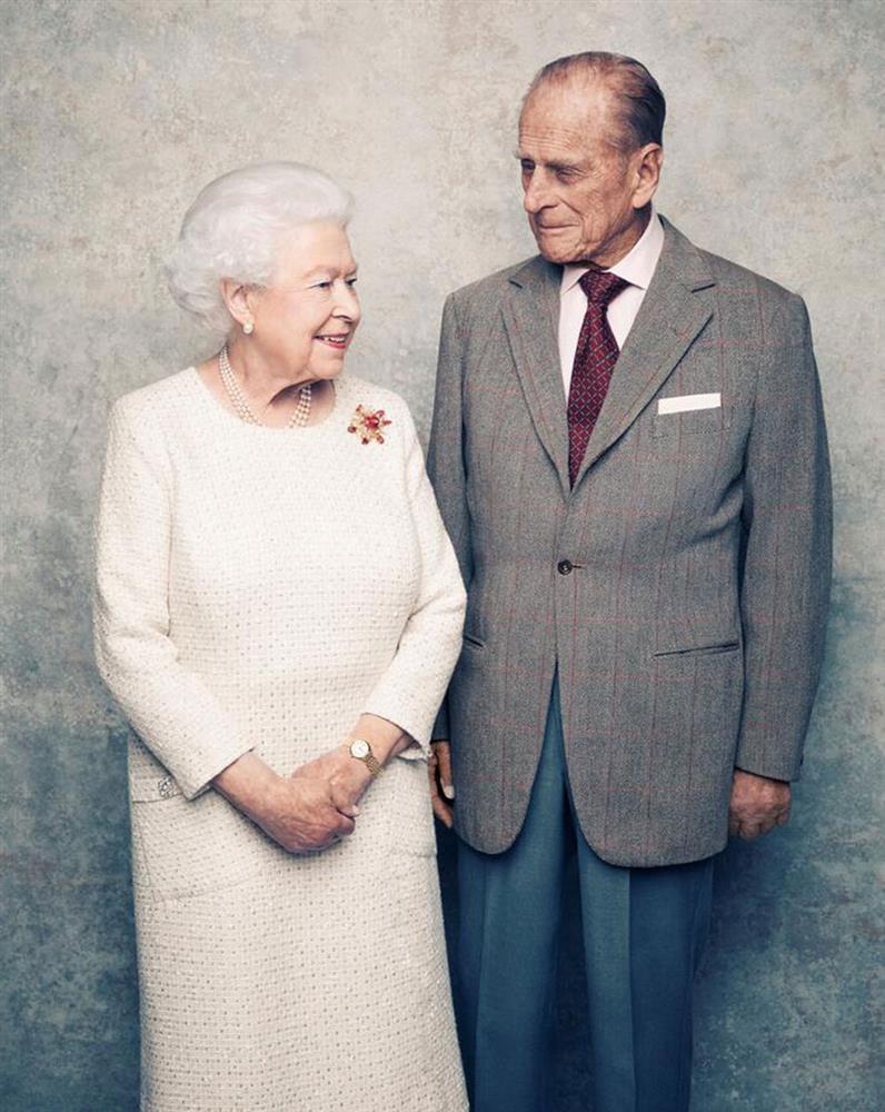 Bí quyết giữ lửa hôn nhân hơn 70 năm của Nữ hoàng Anh và Hoàng thân Philip-10