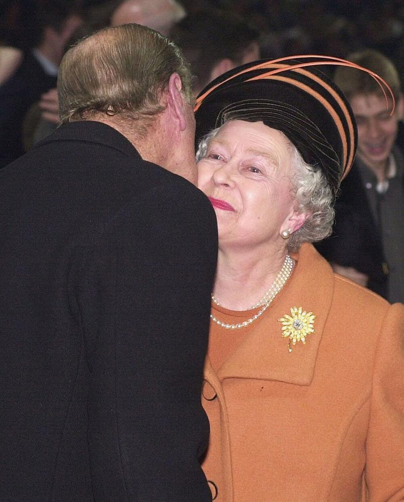 Bí quyết giữ lửa hôn nhân hơn 70 năm của Nữ hoàng Anh và Hoàng thân Philip-6