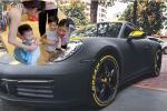 Con gái Minh Nhựa chuẩn 'rich mom', lái xe 7 tỷ đưa quý tử đi học