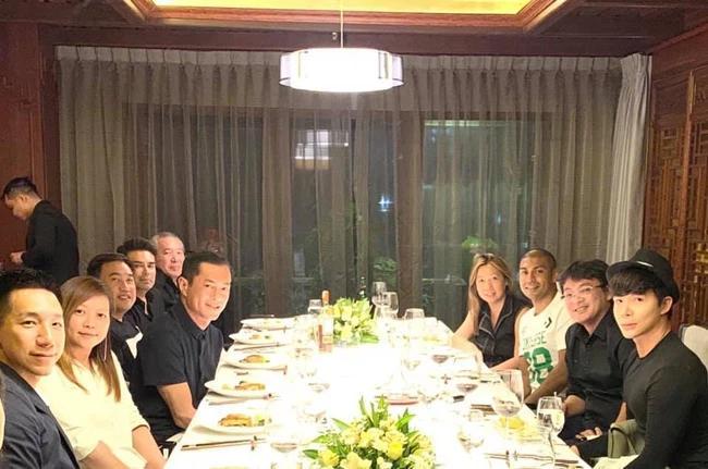 Đẳng cấp Nathan Lee: Hết dùng bữa với Cổ Thiên Lạc lại ngồi với Xa Thi Mạn-4