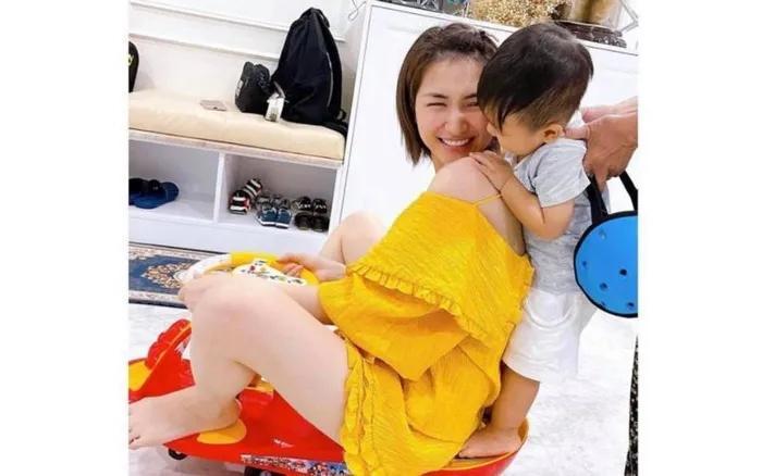 Bé Bo song ca cùng bố, lên nốt cao xuất sắc không kém mẹ Hòa Minzy-4