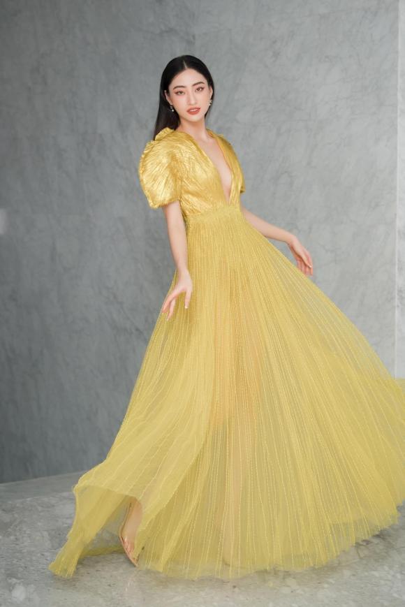 Diện váy đụng hàng Hà Hồ, song Linh đẹp xuất sắc nhưng thần thái không sánh bằng-1