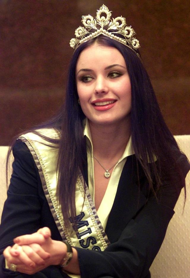 Hoa hậu Hoàn vũ bị truất ngôi duy nhất trong lịch sử giờ ra sao?-4