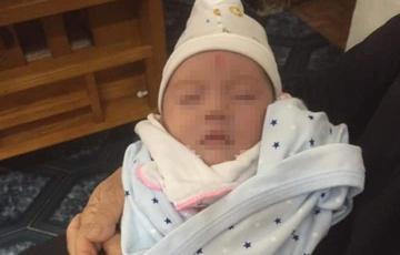 Bé gái 1 tháng tuổi bị bỏ rơi cùng bức tâm thư-1