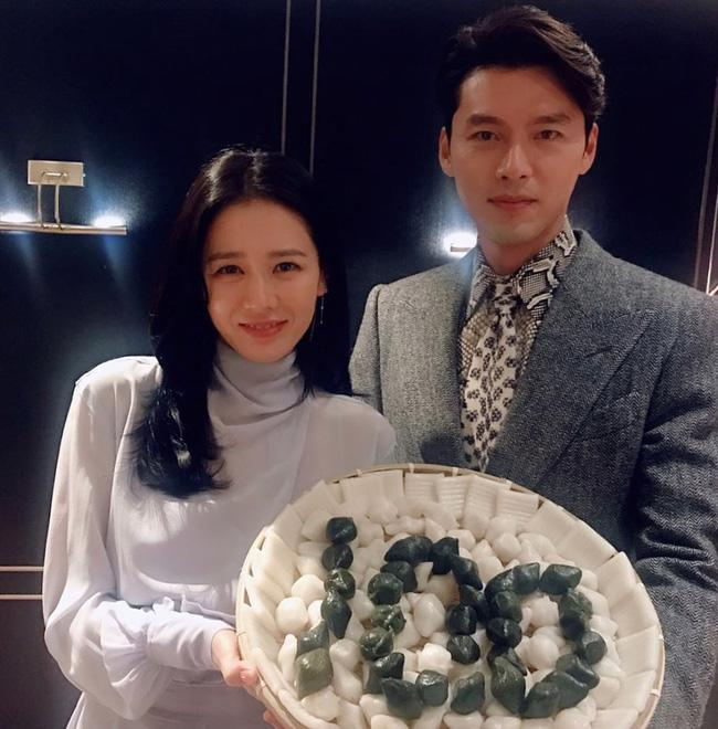 Lộ bằng chứng Son Ye Jin đưa Hyun Bin ra mắt hội chị em-3