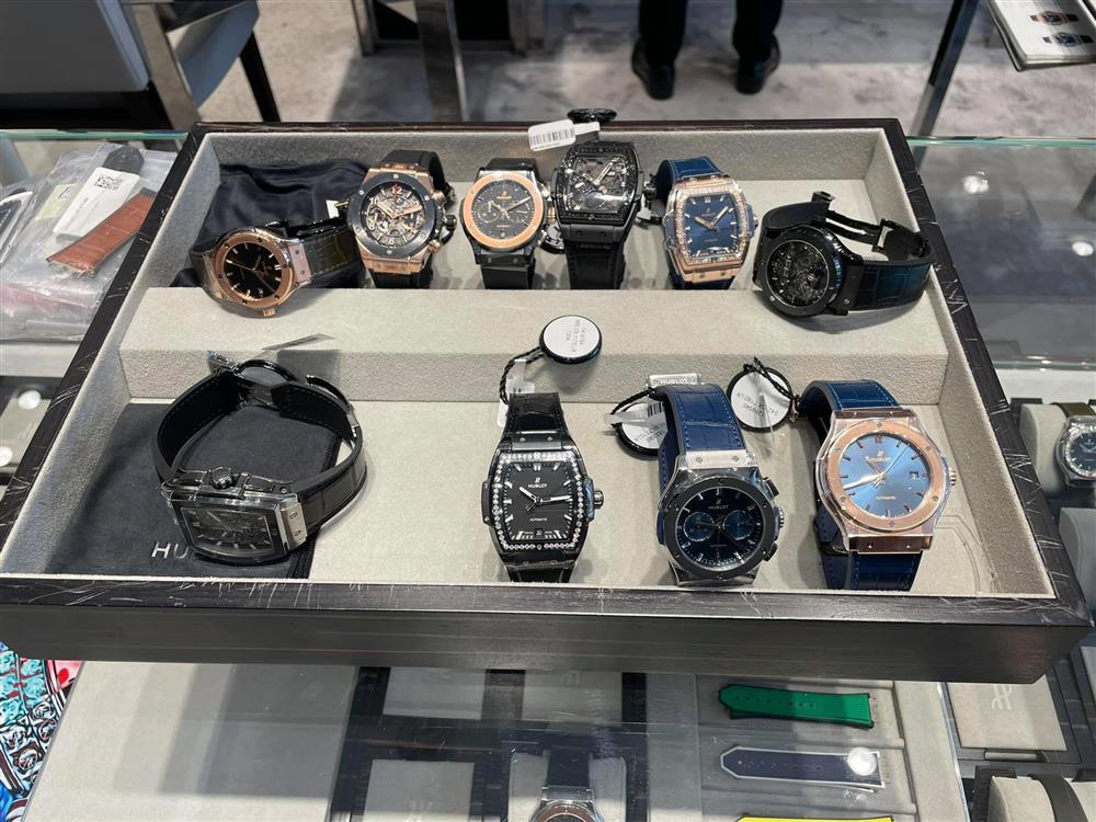 Đàm Thu Trang mua cùng lúc 10 chiếc đồng hồ tặng Cường Đô La-3