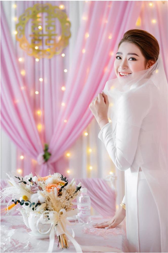 Cô dâu An Giang trang trí tiệc cưới ngập tràn sắc hồng mèo Hello Kitty-9