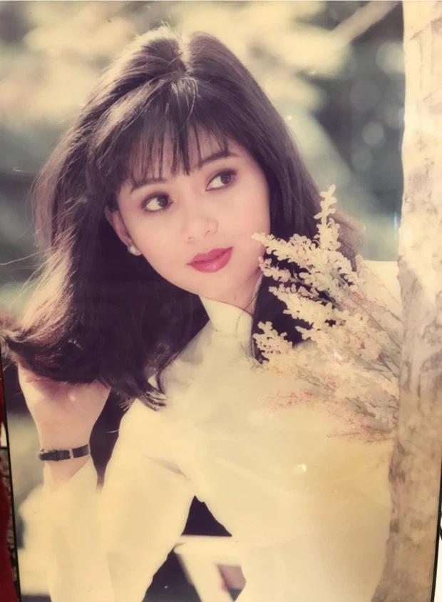 Nhan sắc cực phẩm ăn đứt hội hot girl của mẹ chồng Hà Tăng ngày trẻ-8