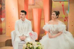 Bà xã Ưng Hoàng Phúc: 'Tôi từng tự hỏi sao mình phải lấy chồng tàn phế?'