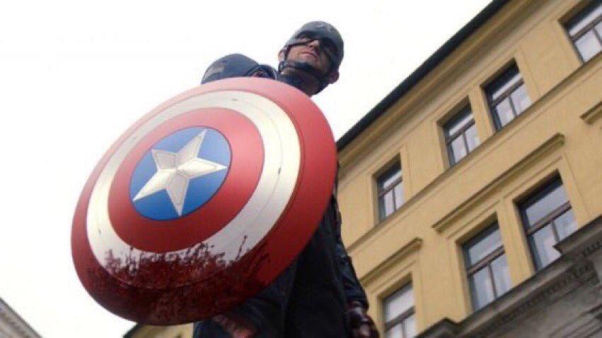 Tập 4 The Falcon&The Winter Soldier: Captain tích xanh quá ác, Bucky rụng tay-2