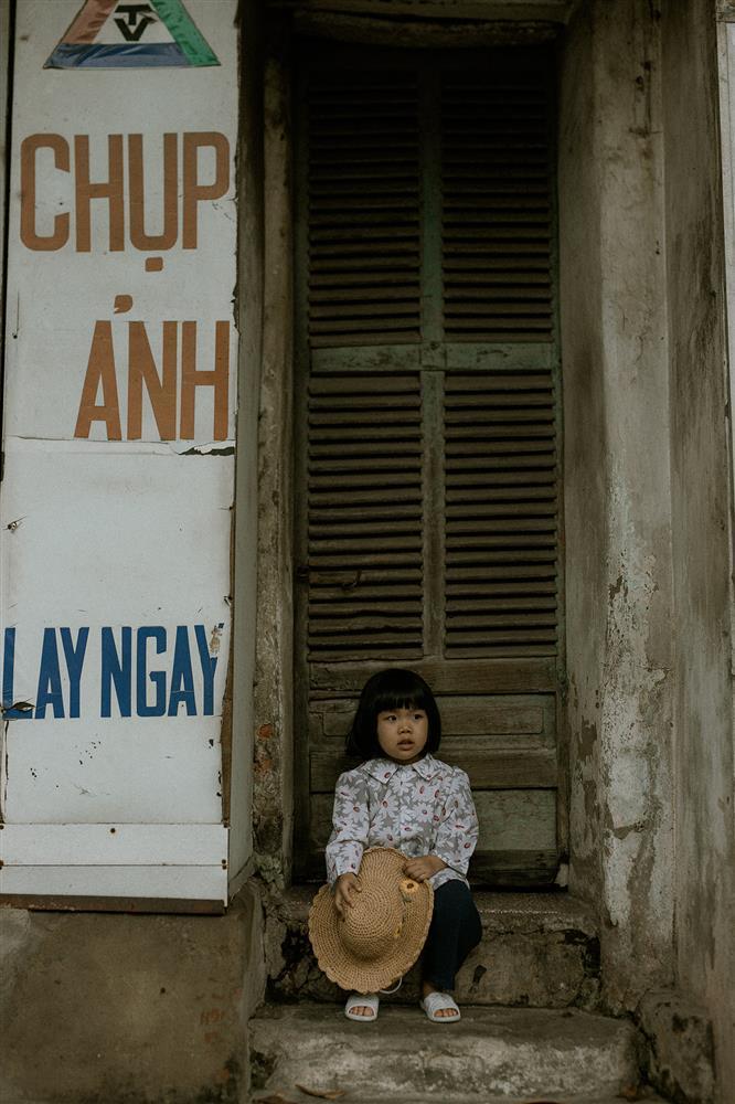 Bộ ảnh Em bé Hà Nội của em bé 3 tuổi khiến nhiều 8x, 9x nhớ tuổi thơ dữ dội-1
