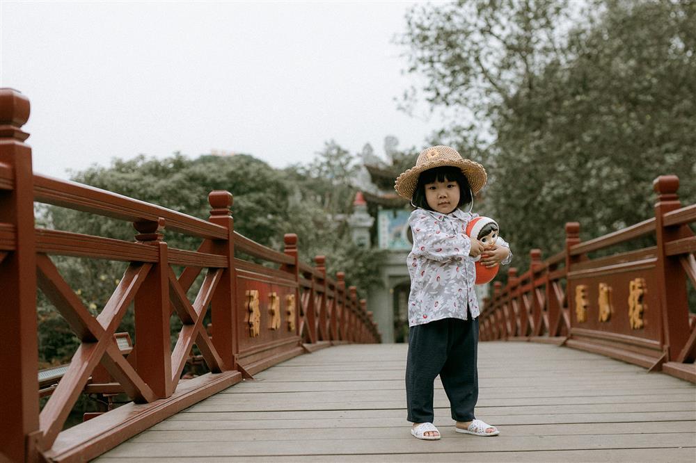Bộ ảnh Em bé Hà Nội của em bé 3 tuổi khiến nhiều 8x, 9x nhớ tuổi thơ dữ dội-6
