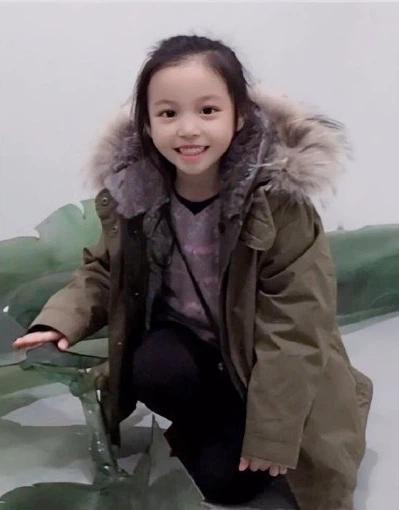 Con gái Triệu Vy ra dáng thiếu nữ khi bước sang tuổi 11-2