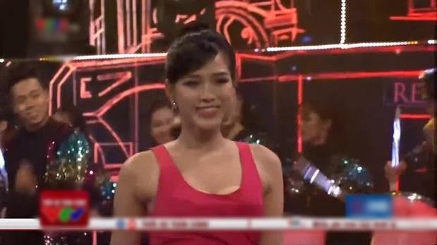 Hoa hậu, Á hậu liên tiếp mắc lỗi lộ hàng trên sóng truyền hình-2