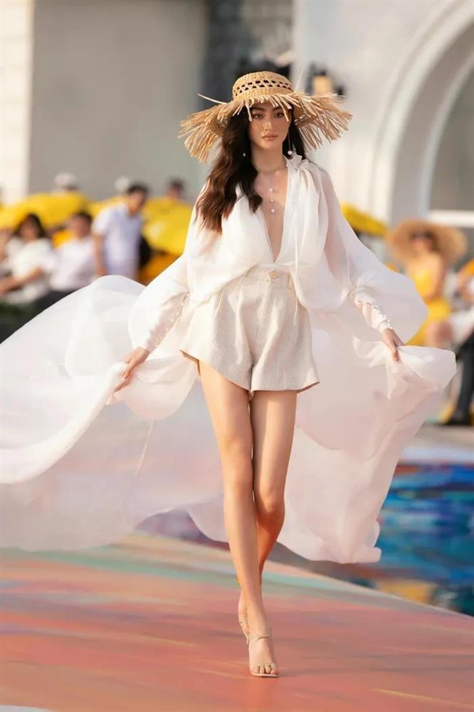 Lương Thùy Linh: Tôi ước được diễn tại show Victorias Secret-5