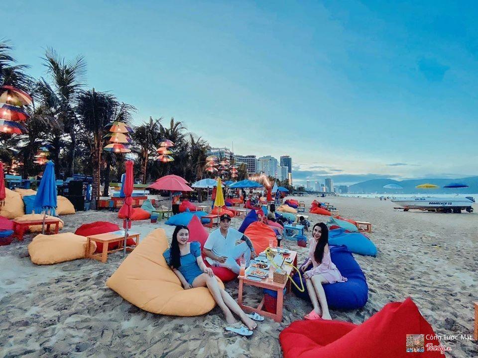 Choáng ngợp trước thiên đường 7 sắc cầu vồng như Bali trên bãi biển Đà Nẵng-3