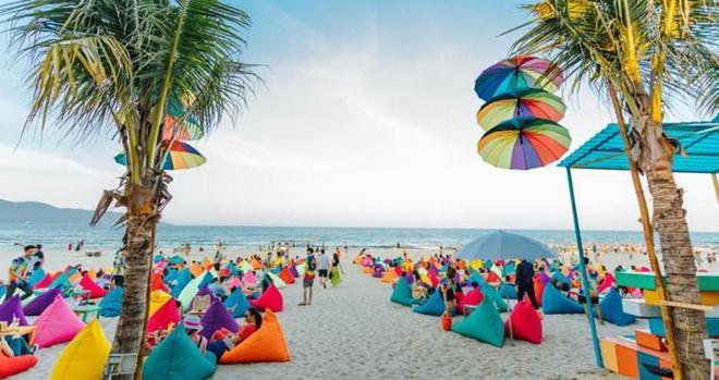 Choáng ngợp trước thiên đường 7 sắc cầu vồng như Bali trên bãi biển Đà Nẵng-5