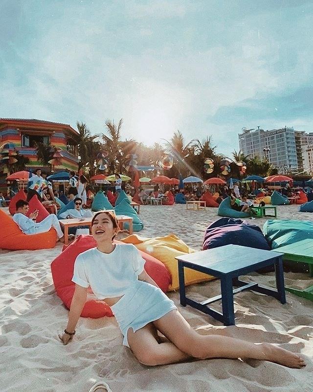 Choáng ngợp trước thiên đường 7 sắc cầu vồng như Bali trên bãi biển Đà Nẵng-6