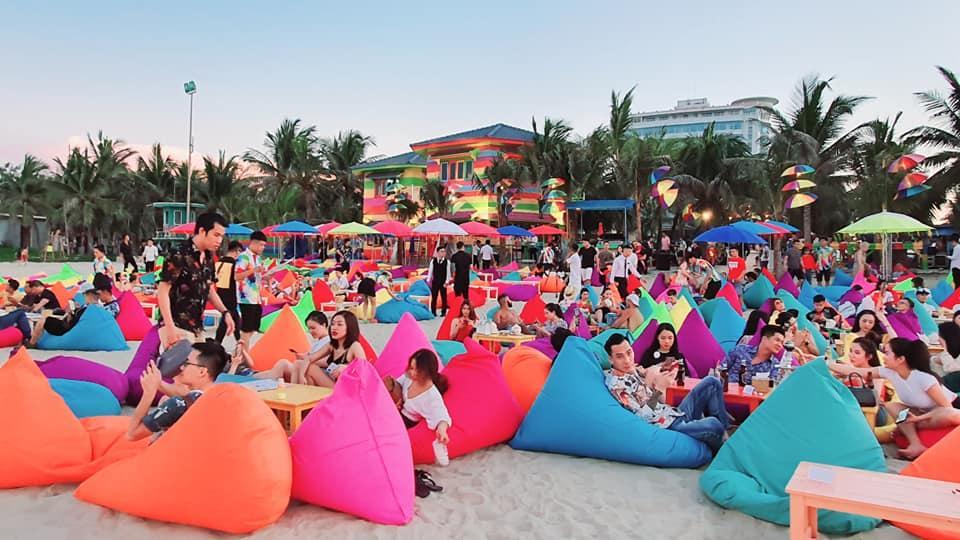 Choáng ngợp trước thiên đường 7 sắc cầu vồng như Bali trên bãi biển Đà Nẵng-7