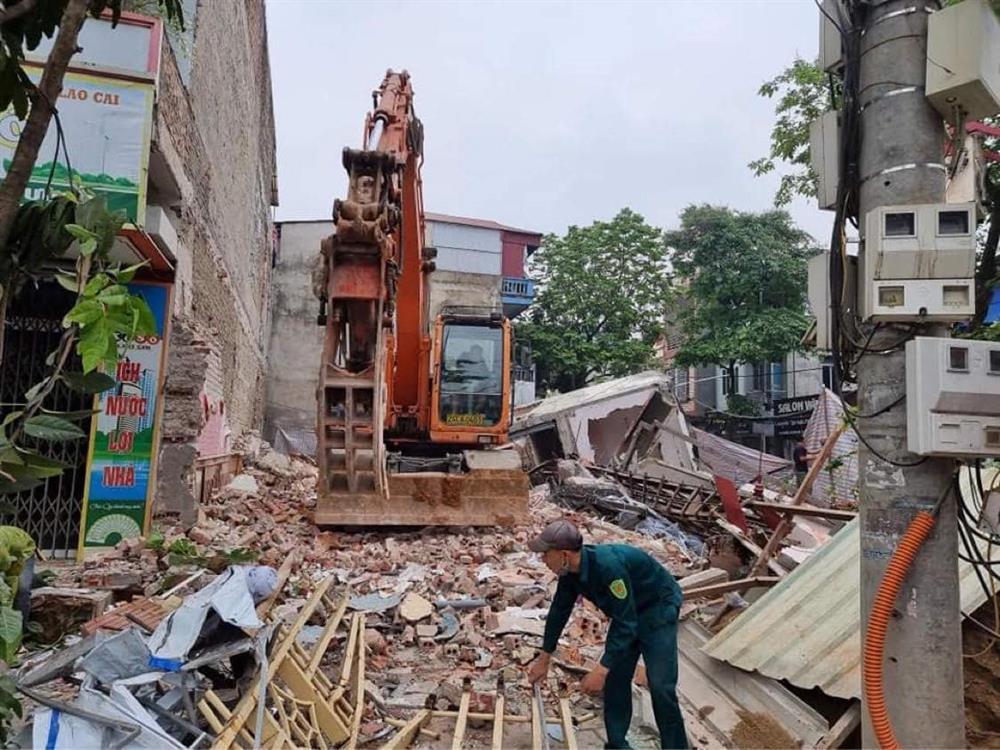 Chủ nhân nhà 3 tầng bị sập ở Lào Cai nhập viện cấp cứu vì shock tâm lý-3